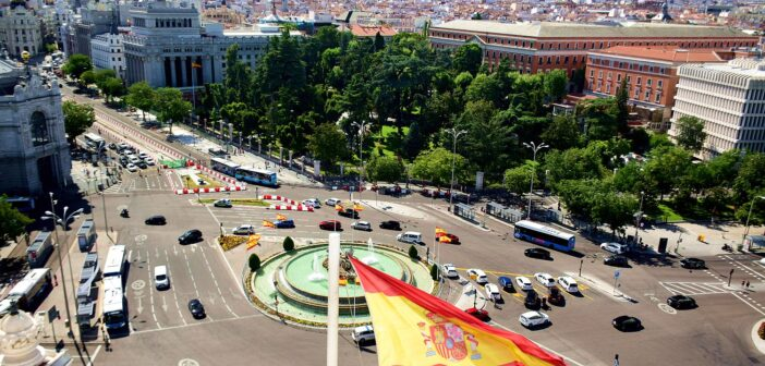 España aclara que sólo entran turistas argentinos con dos dosis de vacunas aceptadas en Europa